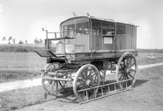 Prison cart1